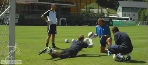 Sheffield Wednesday Goalkeeper Training تمرينات افزايش قدرت رفلكس دروازه بانها