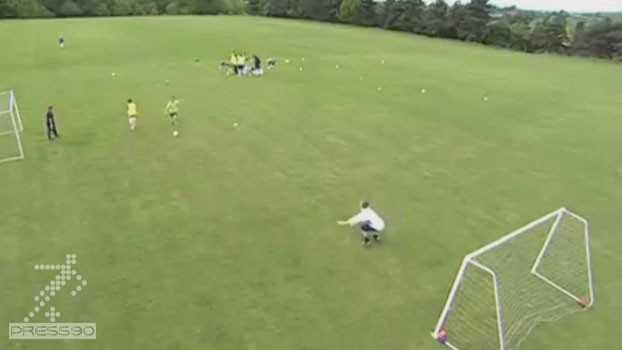 ویدئو تمرین حرکت ضربدری و تمام کنندگی - کراس و گلزنی