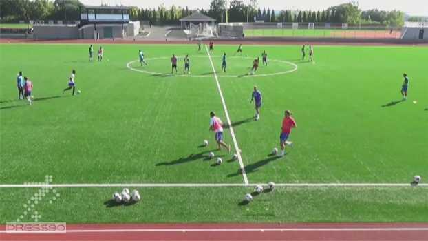 گرم كردن با توپ - تمرینی حرفه ای برای گرم کردن بازیکنان فوتبال همراه با توپ