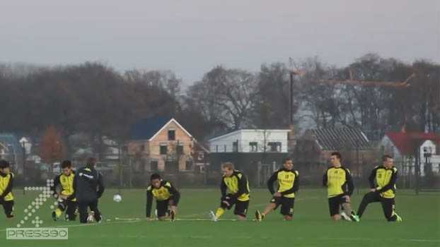 گرم كردن تيم فوتبال دورتموند – حركات ريتميك ، كششهاي پويا و گرم كردن زانو و مچ پا