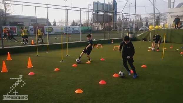 تمرین هماهنگی با توپ برای رده سنی زیر 14 سال