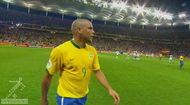 Football's Greatest Ronaldo 2010 [www.press90.com][(020513)15-55-17]